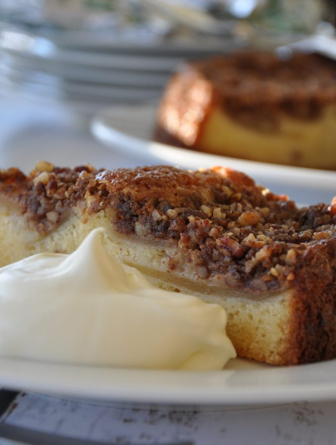 German apple and pecan crumble cake