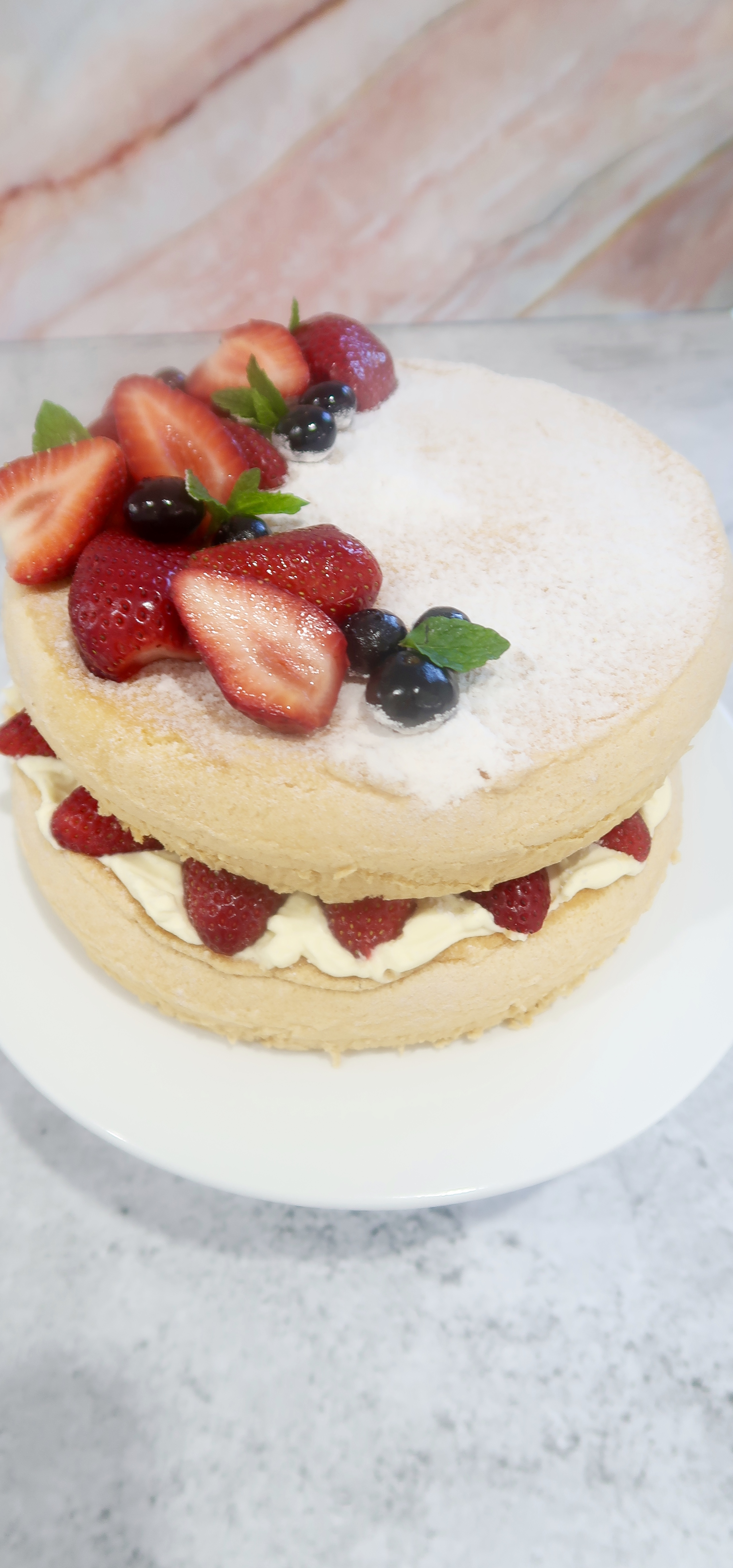 strawberry and cream sponge cake