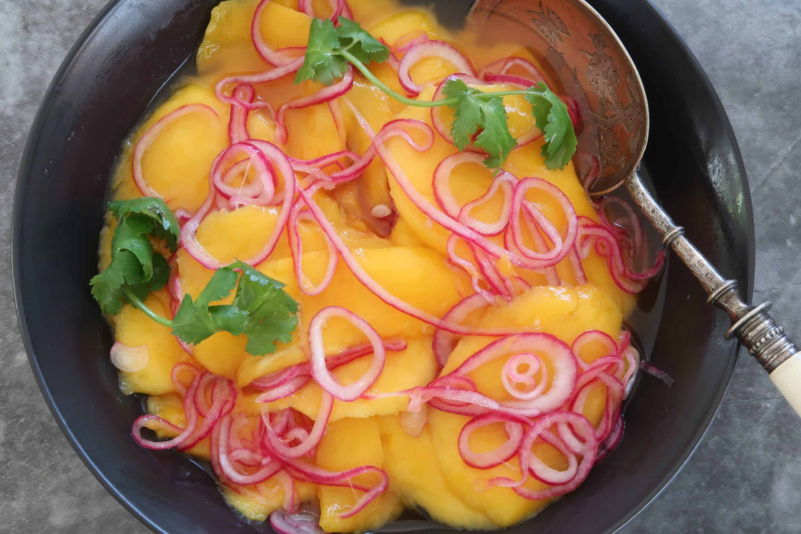 mango and red onion salad