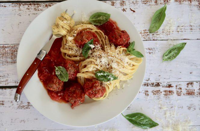 Italian Baked Meatballs with Tomato Sauce
