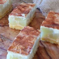 Quick Apple and Sour Cream Slice
