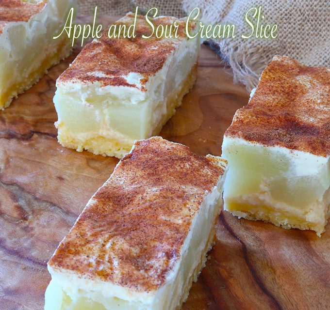 apple and sour cream slice