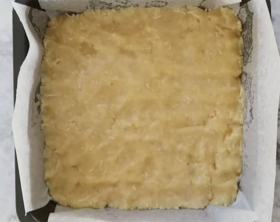 base for apple and sour cream slice ready to bake
