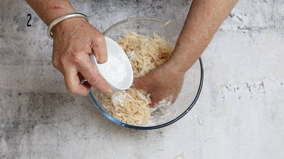 adding cornflour to the mixture to make crispy hash browns