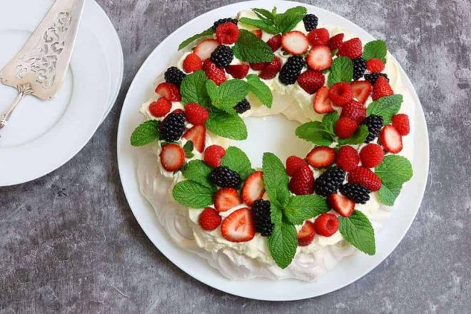 Christmas Pavlova Wreath